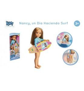 Nancy, un día haciendo surf