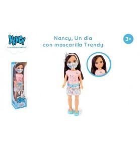 Nancy, un día con mascarila...